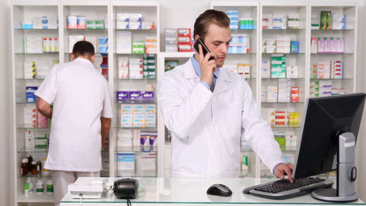 La reperibilità notturna: quando il farmacista lavora (quasi) gratis.