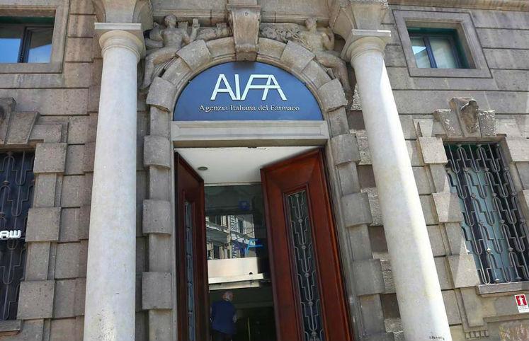 Tirocini professionali, l'Aifa istituisce banca dati per candidature