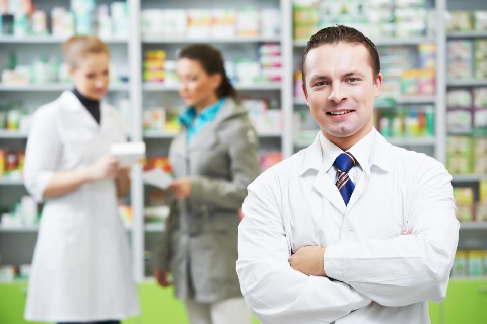 Welfare e salute, gli italiani si fidano (ancora) del farmacista
