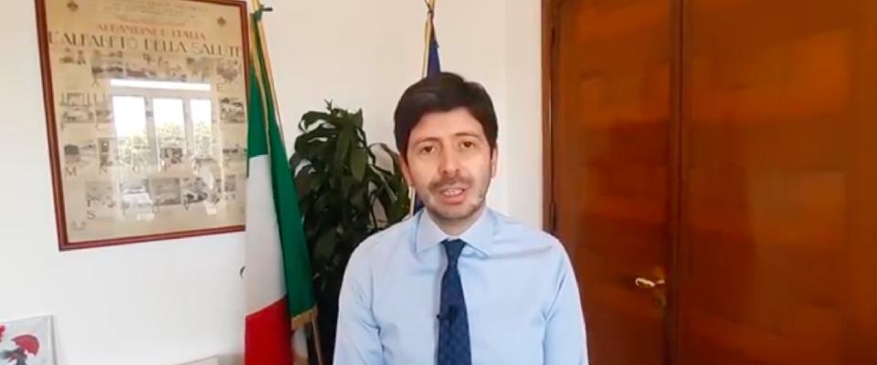 Roberto Speranza ai farmacisti: «Investimenti in sanità e sviluppo della farmacia dei servizi»